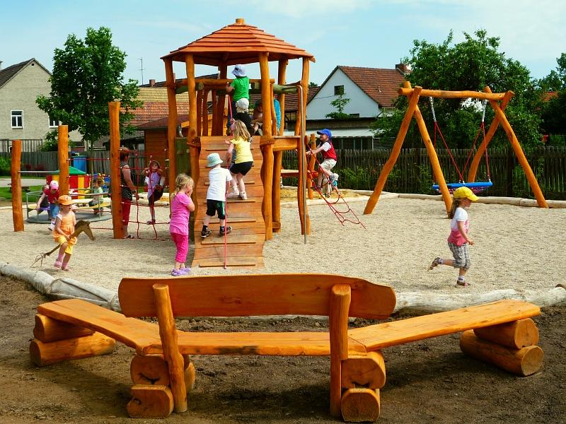 Klettergerüst Robinie : Häuser und türme kindergarten individuelle spielplatzgeräte aus